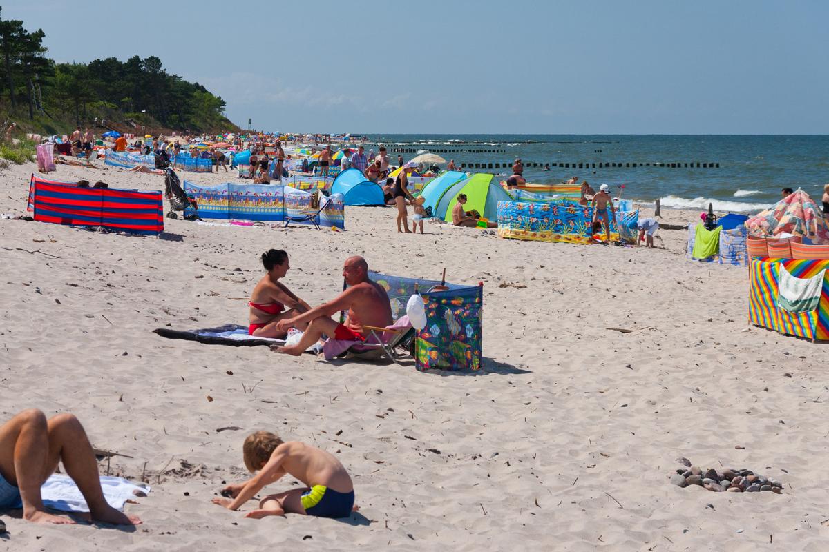 Wczasowicze na plaży